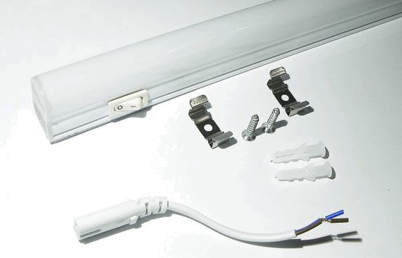 OPTONICA LED fénycső kapcsolóval / T5 / 12W / 870x28mm / meleg fehér / TU5529